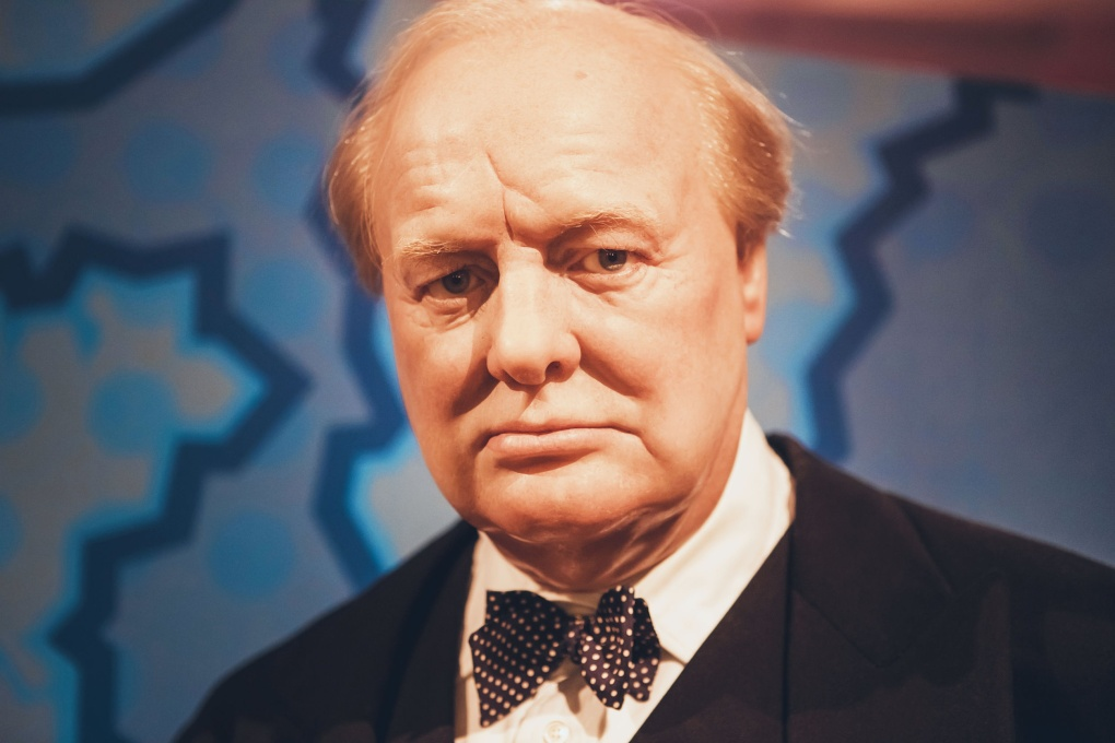"""Уинстон Черчилль: """"Иногда нужно имитировать крушение корабля. чтобы с него сбежали крысы"""""""